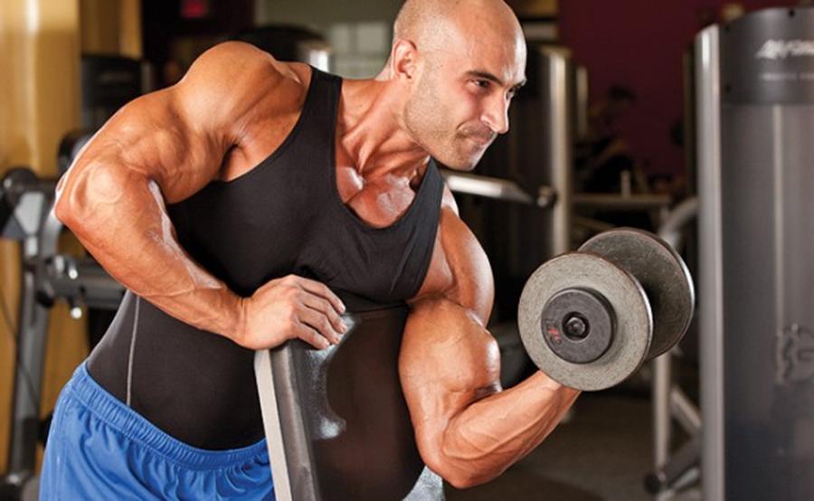 poza-vrem-bicepsi-mai-mari